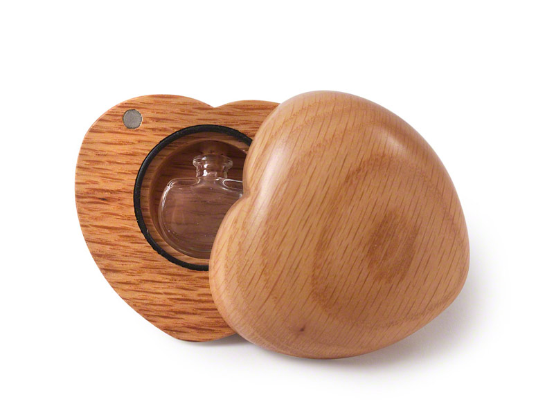 Small wooden heart with hole for ashes